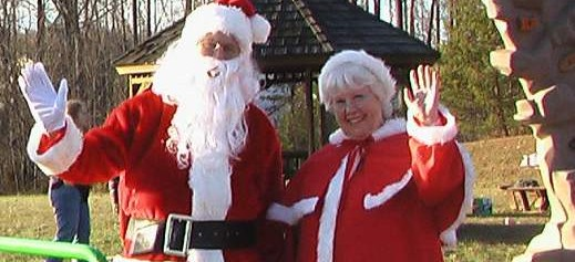 Sunday, December 10 – Santa Visits Sheltons Run!